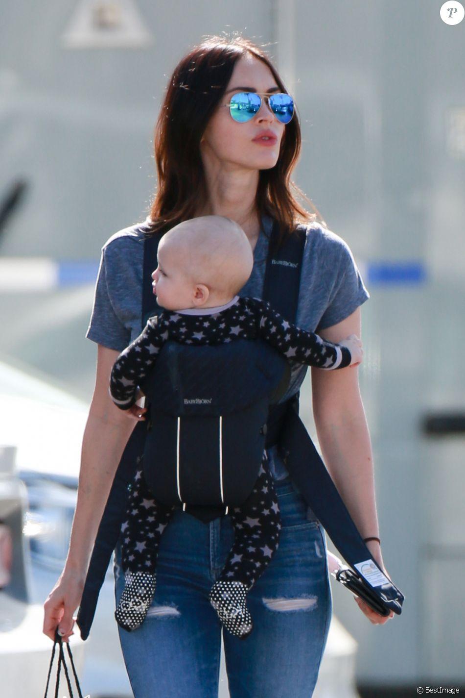 Exclusif - Megan Fox fait du shopping avec son fils Journey River Green chez Sephora dans le quartier de Malibu à Los Angeles, le 13 février 2017. © CPA/Bestimage -