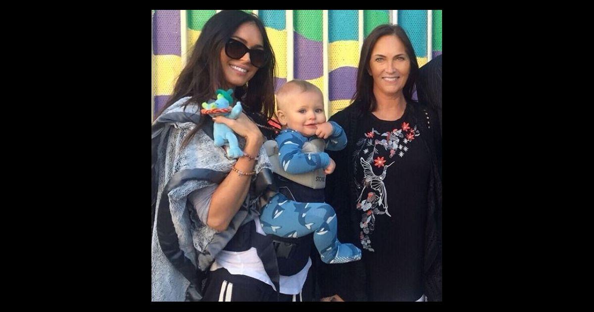 Megan Fox pose avec son fils Journey, 1 ans, et sa maman ...