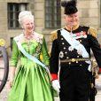 La reine Margrethe II et le prince Henrik de Danemark au mariage de la princesse Victoria de Suède le 19 juin 2010 à Stockholm.