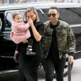 Chrissy Teigen (enceinte) et son mari John Legend arrivent avec leur fille Luna à l'émission 'Watch What Happens Live' à New York, le 31 janvier 2018