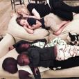 Madonna fait la sieste avec ses enfants, le 29 juin 2017.