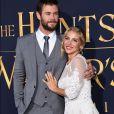 """Chris Hemsworth et sa femme Elsa Pataky lors de la première de """"The Huntsman Winter's War"""" (Blanche Neige et le chasseur 2) au Village Theatre à Los Angeles, le 11 avril 2011."""