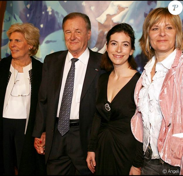 Albert Uderzo et sa femme avec Sylvie Uderzo (à droite), en 2006