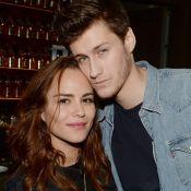 Jean-Baptiste Maunier, in love, pose avec sa jolie chérie pour la Saint-Valentin