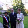 Mariage de Jean de France et Philomena de Tornos : les jeunes mariés avec Rachida Dati dans les jardins de la mairie du VII e arrondissement