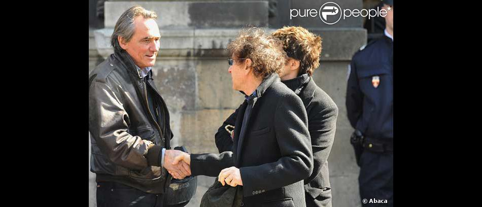 philippe lavil et alain souchon la sortie de l 39 glise purepeople. Black Bedroom Furniture Sets. Home Design Ideas