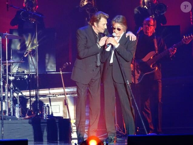 """Johnny Hallyday et Jacques Dutronc au Premier concert """"Les Vieilles Canailles"""" au POPB de Paris-Bercy à Paris, du 5 au 10 novembre 2014."""