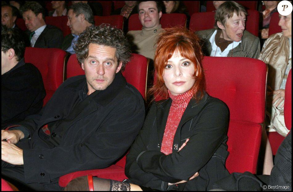 Mylène Farmer et Laurent Boutonnat - Cinéma Gaumont Marignan à Paris en 2004