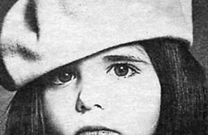 Pourrez-vous deviner qui est cette adorable petite fille au regard mélancolique ?