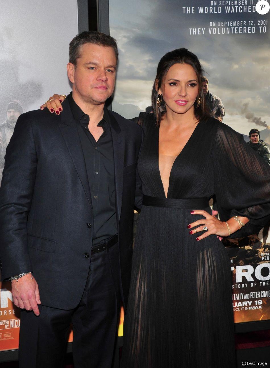 """Matt Damon et sa femme Luciana Barroso - Avant-première du film """"12 Strong"""" au Lincoln Center à New York, le 16 janvier 2018."""