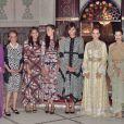 La princesse Lalla Salma du Maroc (caftan doré) au côté de Michelle Obama et ses filles Malia et Sasha le 28 juin 2016 à Marrakech.
