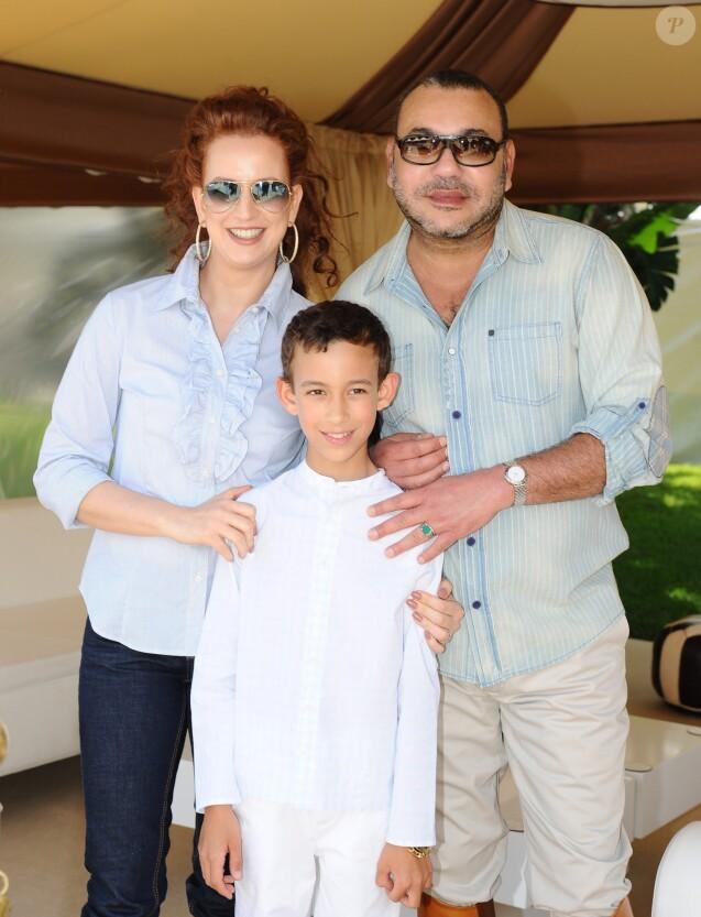 La princesse Lalla Salma et le roi Mohammed VI du Maroc lors du 10e anniversaire de leur fils le prince Moulay El Hassan en mai 2013 à Rabat.