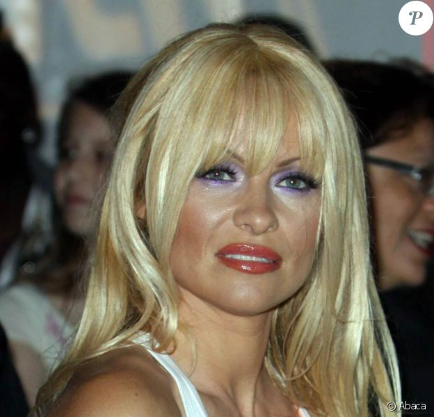 Pamela Anderson au défilé du designer Richie Rich