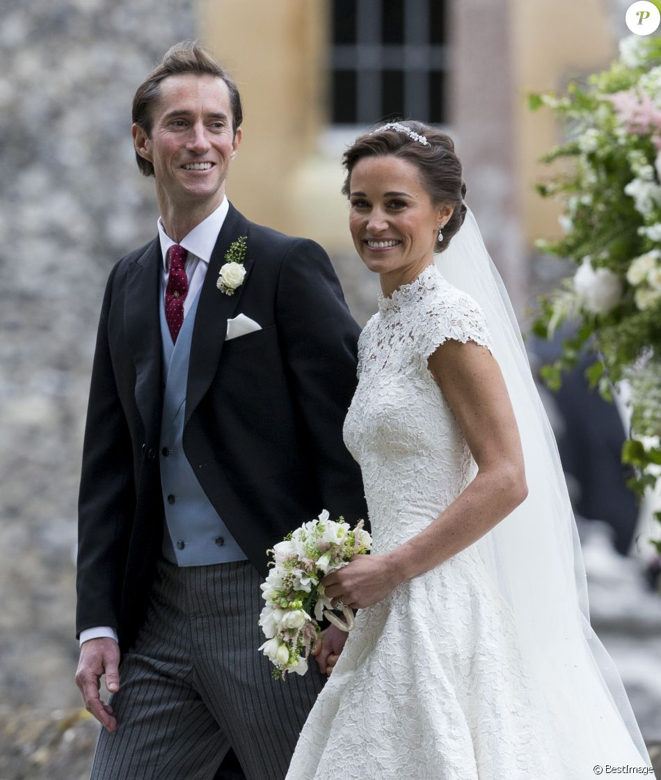 pippa middleton et son mari james matthews lors de leur mariage englefield dans le berkshire. Black Bedroom Furniture Sets. Home Design Ideas