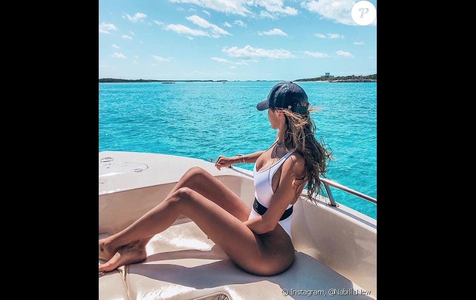 Nabilla aux Bahamas le samedi 17 mars 2018.