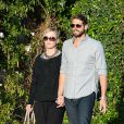 Jennie Garth et Dave Abrams vont dîner à Studio City, Los Angeles, le 10 avril 2015