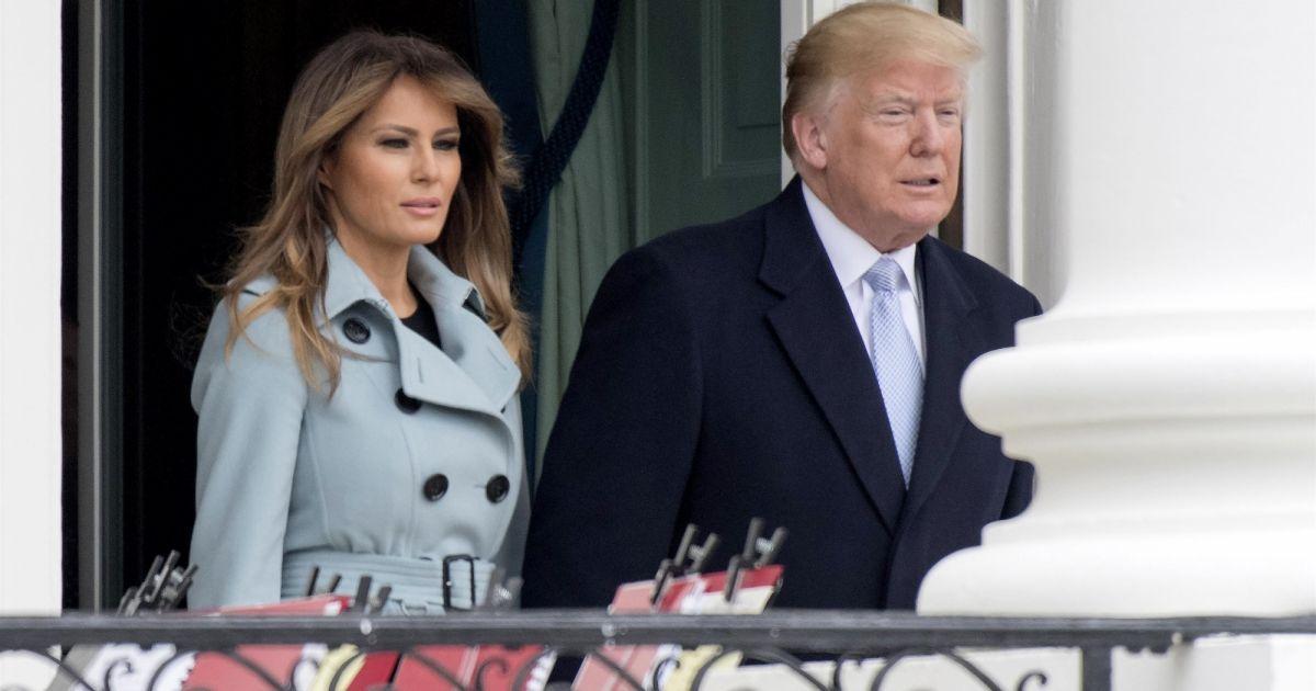Donald trump et sa femme melania le pr sident des etats for Africa express maison des jeunes