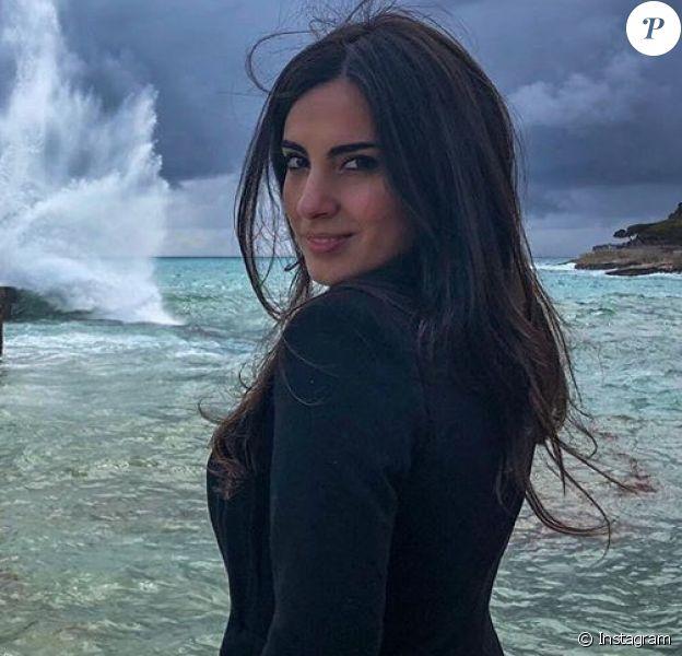 Francesca Brienza, alias La Brienzina, compagne de Rudi Garcia (entraîneur de l'Olympique de Marseille), devant le phare de Cassis, photo Instagram 12 avril 2018.