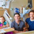 Zac et Dylan Efron rendent visite aux enfants du Children's Hospital L.A. Août 2017