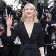 """Cate Blanchett (bijoux Van Cleef & Arpels) - Montée des marches du film """"Sicario"""" lors du 68e Festival International du Film de Cannes, à Cannes le 19 mai 2015."""