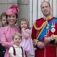 """La famille royale d'Angleterre au palais de Buckingham pour assister à la parade """"Trooping The Colour"""" à Londres le 17 juin 2017."""