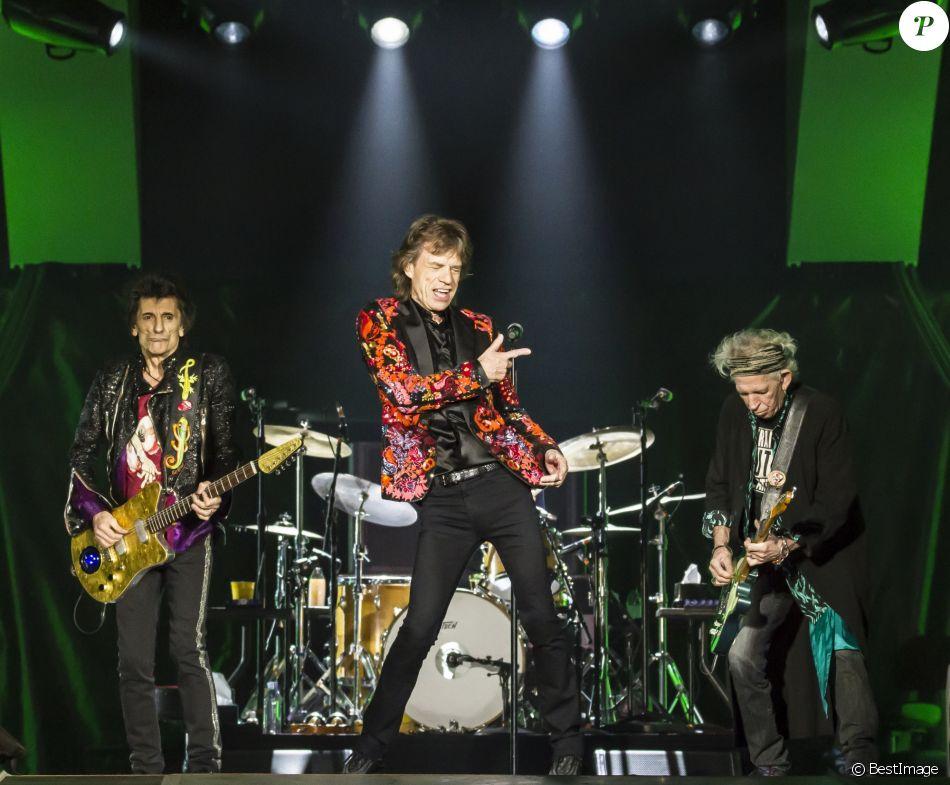 """Ron Wood, Mick Jagger et Keith Richards - 3e et dernier concert des Rolling Stones à l'U Arena de Nanterre dans le cadre de leur tournée """"Stones - No Filters"""". Le 25 octobre 2017. © Danyellah P. / Bestimage"""