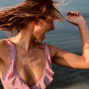 Laury Thilleman naturelle en bikini : Son retour sexy en Bretagne !