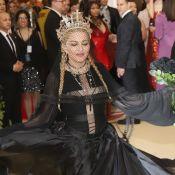 Met Gala 2018 : Madonna, sobre et divine en icône gothique... Une surprise !