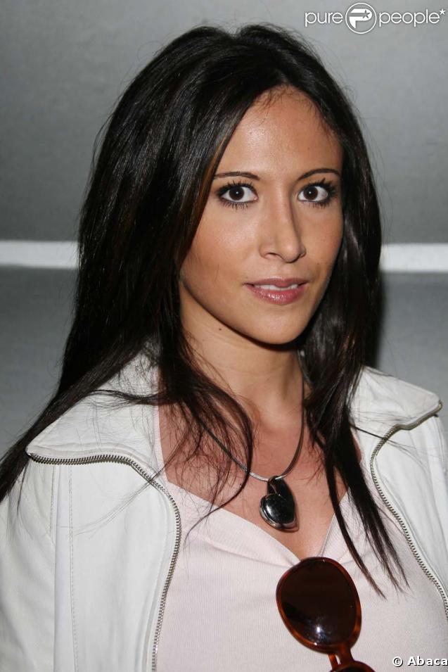 Fabienne Carat joue Samia dans la série  Plus Belle La Vie