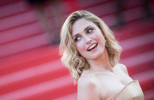 Cannes 2018: Julie Gayet met ses épaules à nu devant Elsa Zylberstein