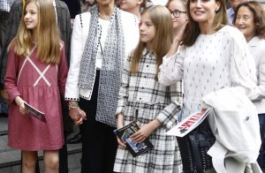 Letizia d'Espagne : Bain de foule avec ses filles, sa mère et la reine Sofia