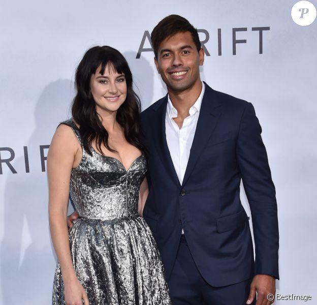 Shailene Woodley et son compagnon Ben Volavola à la première de 'Adrift' aux cinémas Regal à Los Angeles, le 23 mai 2018 © Chris Delmas/Bestimage