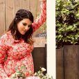 Karine Ferri dévoile son baby-bump sur Instagram. Avril 2018.