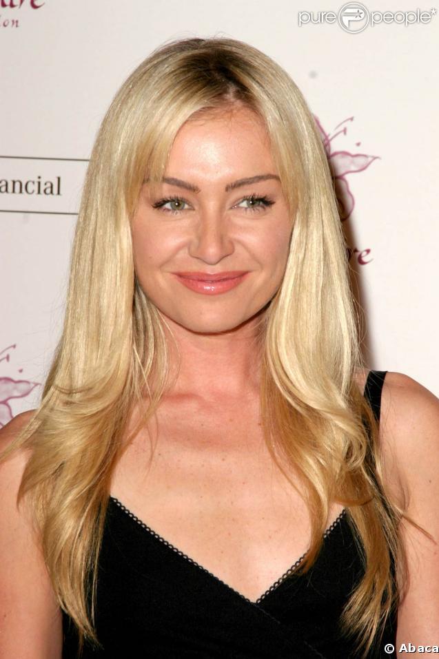 La belle Portia de Rossi... sur tapis rouge !