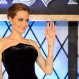 """Angelina Jolie (robe Atelier Versace, talons Saint Laurent) assiste à la première du film Maléfique (""""Maleficent"""") à Tokyo, le 23 juin 2014."""