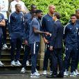 Samuel Umtiti, Ousmane Dembélé, Steven Nzonzi, le président Emmanuel Macron, sa femme Brigitte - Le président et son épouse rencontrent les joueurs de l'équipe de France de football qui participeront à la coupe du monde au centre de Clairefontaine le 5 juin 2018.