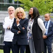 Brigitte Macron chic en blazer avec l'équipe de France avant la Coupe du monde
