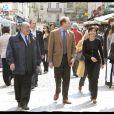 Rachida Dati rue Cler pour aller à la rencontre de ses concitoyens. Le 11/04/09