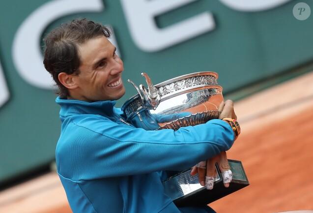 Rafael Nadal gagne son onzième titre au tournoi de Roland-Garros face à Dominique Thiem à Paris, le 10 juin 2018. © Jacovides/Moreau/Bestimage