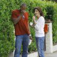 Teri Hatcher se promène avec Mehcad Brooks qui fut son partenaire dans Desperate Housewives à Los Angeles
