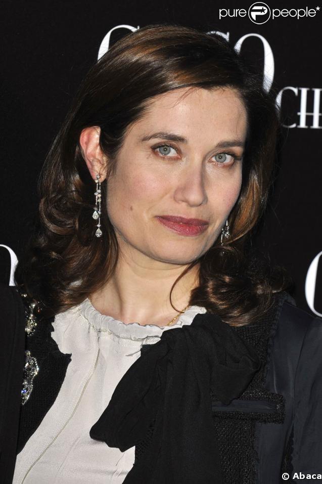 Emmanuelle Devos sera bientôt sur France 2 dans le cadre des diffusions théatrales