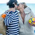 Sharon Stone profite de sa journée avec son nouveau compagnon sur une plage de Miami à la veille des ses 60 ans qu'elle fêtera le 10 mars. Miami le 9 mars 2018.