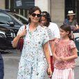 Katie Holmes et sa fille Suri quittent le musée du Louvre et rentrent à l'hotel à Paris, le 1er juillet 2018.
