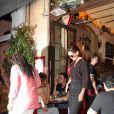 Katie Holmes et sa fille Suri ont dîné au restaurant Ferdi avant de repartir acompagnées d'un chauffeur qui est passé devant la Tour Eiffel, avant de les ramener à leur hôtel à Paris le 1er juillet 2018.