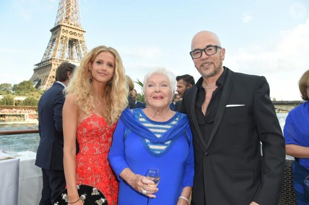 Pascal obispo et sa femme julie complices pour l 39 anniversaire de line renaud purepeople - Surprise pour sa copine ...