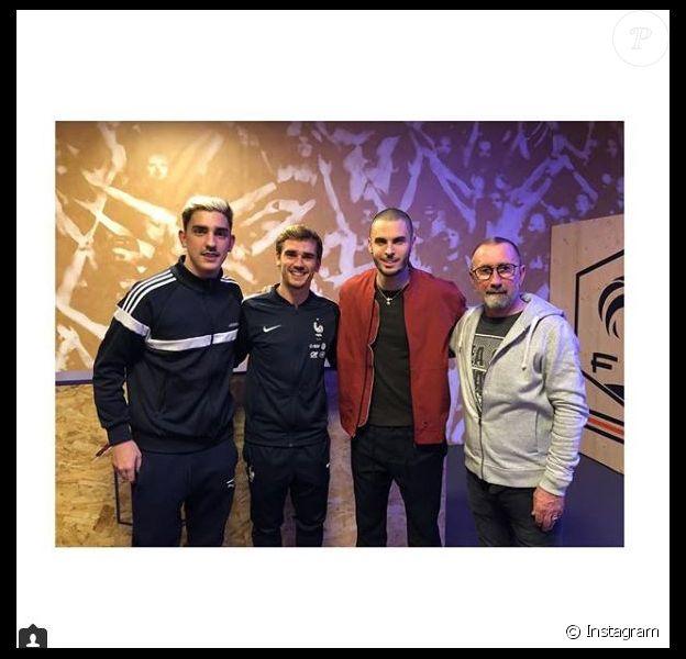 Baptiste Giabiconi entouré par le clan Griezmann. Instagram, le 24 mars 2018.