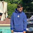 Théo Griezmann porte l'un de six pulls de la collection GZ Brand x Giabiconi. Instagram, juillet 2018.