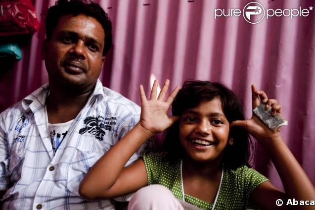 Rubina, son papa Rafiq et sa belle-mère Munni.