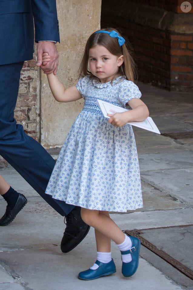 La princesse Charlotte de Cambridge au baptême de son frère le prince Louis de Cambridge, troisième enfant du prince William et de la duchesse Catherine, le 9 juillet 2018 en la chapelle royale du palais St James à Londres.