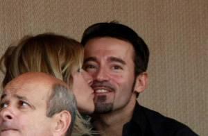 Max Biaggi et Eleonora : bientôt parents, et bien... polissons ! Ils se bécotent devant Victoria Silvstedt et Rafael Nadal !